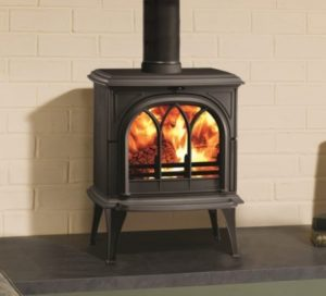 Huntingdon-35-woodburning-stove-in-matt-black-with-tracery-door